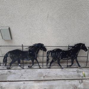 Metal decor horses